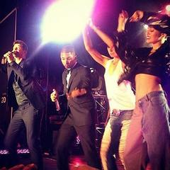 Miley Cyrus Joins Robin Thicke and Pharrell Williams Onstage to Sing 'Blurred Lines'